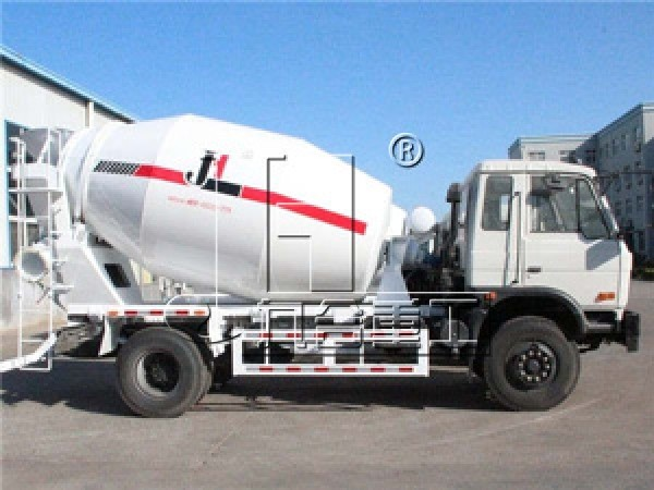 small 4m3 6m3 Dongfeng/Sinotruk concrete mixer truck